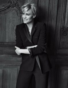 House of Cards - Robin Wright, by Peter Lindbergh for Gérard Darel FW 2011 Peter Lindbergh, Robin Wright Haircut, Claire Underwood Style, Annie Leibovitz, House Of Cards, Style Icons, 50 Style, Beautiful People, Short Hair Styles