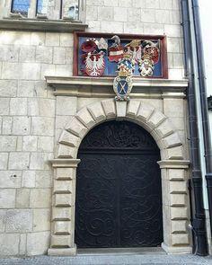 Ulica swietej Anny w Krakowie  #architecture #archilovers #kraków #poland #polskajestpiekna #door #art #uj #unicorn