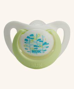 NUK Genius Schnuller Größe 0.  Spezialgröße für besonders zarte Neugeborene von 0-2 Monate.  Extra softe und flexible Form, die das Risiko von späteren Zahnfehlstellungen reduziert.
