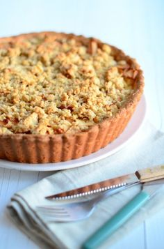 Appelkruimeltaart met gele room - apple crumble pie