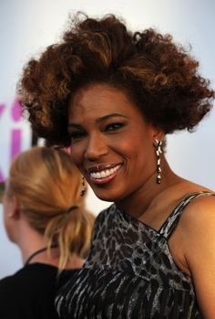 Macy Gray Short Curls  Macy Gray showed off her short curls while walking the red carpet at the 'Killers' premiere.