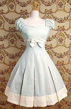 It's like the perfect cinderella every day dress!!!!! baby blue lolita dress...