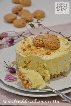 Semifreddo amaretto (1) Italian Desserts, Mini Desserts, Frozen Desserts, Sweet Recipes, Cake Recipes, Dessert Recipes, Mousse, Torte Cake, Frozen Meals