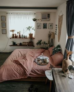 Modern Bohemian Bedroom Decor Ideas - Bohemian Home Bedroom Small Room Bedroom, Small Rooms, Home Bedroom, Bed Room, Girls Bedroom, Modern Bedroom, Ikea Bedroom, Dorm Room, Bedroom Furniture