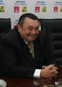 http://www.nepasadegalati.ro/politic/2350-liberalii-galateni-si-au-bagat-picioarele-in-strategia-de-desfasurare-a-galei-premiilor-pnl.html