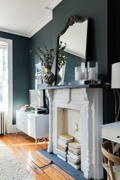Narragansett Green-House Tour: A Contemporary, Cozy, Brooklyn Heights Home Mirror Above Fireplace, Faux Fireplace, Fireplace Mantels, Fireplaces, White Fireplace, Mantles, Up House, Farm House, Modern Spaces