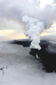 envyavenue:  Volcanic Eruption | Photographer