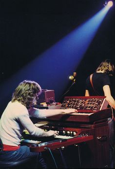 Rick Wright, Roger Waters, Pink Floyd. (Boston Music Hall, 1972)