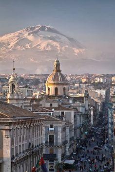 Mt Etna over Catania, Sicily                                                                                                                                                                                 Más