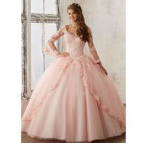 Pretty quinceanera dresses, 15 dresses, and vestidos de quinceanera. We have turquoise quinceanera dresses, pink 15 dresses, and custom quince dresses! Sweet 16 Dresses, Sweet Dress, 15 Dresses, Formal Dresses, Evening Dresses, Sweet Sixteen Dresses, Fashion Dresses, Dresses Online, Robes Quinceanera