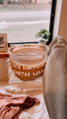 Coffee Jars, Glass Coffee Mugs, Coffee Drinks, Coffee Cup, Starbucks Cup Art, Custom Starbucks Cup, Coffee Trailer, Coffee World, Aesthetic Coffee