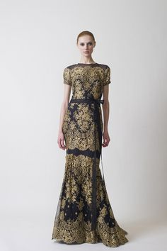 Most timeless and beautiful dress I've seen in a long time. Carolina Herrera Pre-Fall 2011