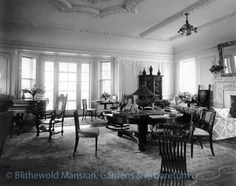 The Living Room at Blithewold Mansion. Original furnishings from the Queen Anne style mansion that burned down in 1907 were used in the new mansion. Follow Blithewold's history on our Timeline http://www.facebook.com/blithewoldRI #elegant