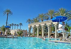 The Luxor Hotel and Casino Las Vegas | Travel Quest - US Road Trip and Travel Destinations