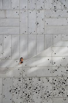Nieto y Sobejano - San Telmo by Geir Pedersen. Facade Design, Wall Design, Architectural Pattern, Building Facade, Facade Architecture, Textures Patterns, Interior And Exterior, Interior Design, Textured Walls