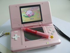 Discovered by cute kitten ~~~~~~~. Find images and videos about pink, nintendo and kirby on We Heart It - the app to get lost in what you love. Nintendo Ds Lite, Nintendo 3ds, Nintendo Consoles, Kirby Nintendo, Creepypasta Anime, Kawaii Games, Playstation, Ipod, Girly