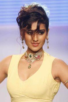 Ileana D'Cruze   #Hot #Sexy #Actress #Bollywood #Heroine #Hindi