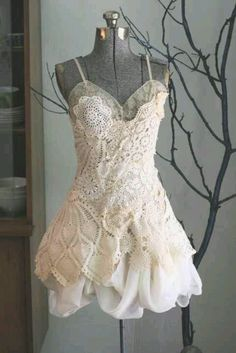 Love romantic dresses with lace
