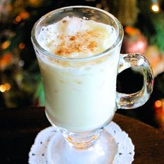 Tasting singani cocktails is one of the best (not to mention most enjoyable) ways for a traveler to experience Bolivia. Peruvian Cuisine, Holiday Icon, Eggnog Recipe, Creamed Eggs, Magical Christmas, Barbacoa, Christmas Traditions, Hot Chocolate, Glass Of Milk