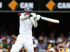 Stuart Broad weathered a slew of short deliveries.