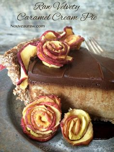 Velvety Caramel Cream Pie: more like a dream pie! (high raw, vegan)