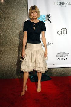 Anna Wintour has always been my Fashion Icon since my junior year in high school. I would pick up a Vogue magazine while. Couture Fashion, Boho Fashion, Fashion Outfits, Womens Fashion, Chanel Couture, Fashion Spring, Fashion Details, Fashion Styles, Style Fashion