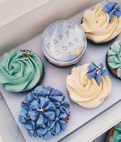 Birthday Cupcakes! . . . . . . . . . . #cupcakeproject #birthdaycupcakes #trylocalph #whattoeatph #whatstoloveph #wiltoncakes…