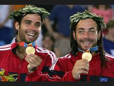 Fernando González y Nicolás Massú, Ganadores de Medalla de Oro en Juegos Olímpicos de Atenas 2004.