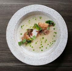 Scallops • ham • sea lettuce • cucumber • by @musketmatt  #food #foodie #foodporn #foodgasm #foodgram #foodphotography #foodism #michelin #michelinstar #ham #scallops #finedining #goodfood #goodlife #chef #cheflife #gourmet #art #artonaplate #cucumber #seafood #lettuce #fancy #instafood #beauty #veggies #delicious #soup #salad #sea_artonaplate_