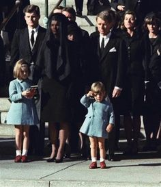 Nation pays tribute to President Kennedy on 50th anniversary of assassination - U.S. News