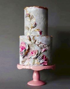modern wedding cake in grey & pink, obsessed with this texture!