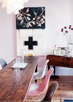 A cool pale pink wall color in the dining room. Check out Devine Poodle or Devine Nu Rose for a slightly warmer twist on this look.