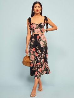 Liana Two Piece Floral Dress - Reformation Crop Top Outfits, Skirt Outfits, Look Fashion, Fashion Outfits, Womens Fashion, 2000s Fashion, Cheap Fashion, Modest Fashion, Street Fashion