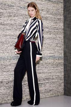 Stella McCartney Pre-Fall 2013 - çizgi, çizgi, çizgi, monokrom ve bordo. Stella Mccartney, High Fashion, Fashion Show, Womens Fashion, Fashion Trends, Runway Fashion, Fashion Tips, Designer Collection, Passion For Fashion