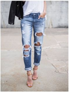 **** Stitch Fix 2017 Summer inspiration! Obsessed with these distressed boyfriend jeans! So on trend. Get styles just like these from Stitch Fix today! Simply click the picture to get started, fill out your style profile and request items just like these. Who doesn't want their own personal stylist to take the work out of shopping? It's like Christmas every month! Try it today!! #sponsored #StitchFix