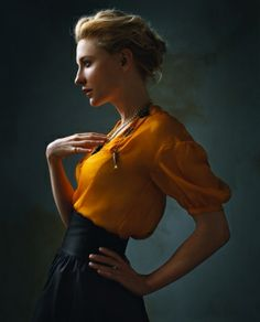 Cate Blanchett has probably never done or worn anything wrong in her life. (Cate Blanchett ~ Photo by Annie Leibovitz) Foto Portrait, Portrait Studio, Female Portrait, Studio Portrait Photography, Portrait Poses, Poses Modelo, Norman Jean Roy, Mode Editorials, Fashion Editorials