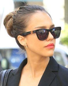 Jessica Alba shopping with a friend in Paris during Paris Fashion Week