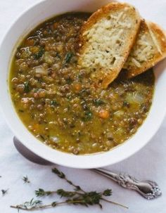 Lentil Soup is one of those powerhouse recipes that everyone needs to have in their back pocket. Free tutorial with pictures on how to cook lentil soup in under 60 minutes by cooking with salt, olive oil, and onion. Recipe posted by Rachel Vegetarian Recipes, Cooking Recipes, Healthy Recipes, Fall Recipes, Dinner Recipes, Vegan Soups, Dinner Ideas, Greek Food Recipes, Tasty Meals