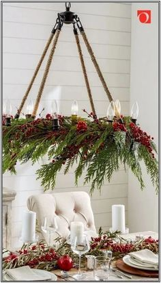 17 Absolutely Stunning Ideas for Christmas Table Decoration 13 – Outdoor Christmas Lights House Decorations Front Door Christmas Decorations, Christmas Table Centerpieces, Outdoor Xmas Decorations, Apartment Christmas Decorations, Porch Christmas Lights, Natural Christmas Decorations, Decorated Christmas Trees, Christmas Fireplace Garland, Christmas Chandelier Decor