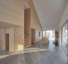 mia2/ARCHITEKTUR, Kurt Hoerbst · House with GABLE · Divisare