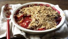 Along with a lot of not traditionally Italian baking, the good old English crumble has seemed to be gaining popularity - even modishness - in Italy.