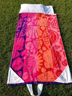 With this Fold Up Beach Towel Bag Free Sewing Pattern 3251661d02508