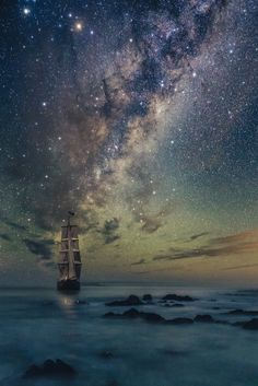 Image discovered by ♕Audrey♕. Find images and videos about beauty, sky and night on We Heart It - the app to get lost in what you love. Beautiful Sky, Beautiful World, Beautiful Places, Ciel Nocturne, Jolie Photo, Milky Way, Science And Nature, Night Skies, Pretty Pictures