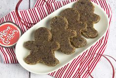 Raw Gingerbread Men - could just roll into balls instead of gingerbread man shapes too Gingerbread Man Cookies, Gingerbread Men, Gingerbread Crafts, Primal Recipes, Raw Food Recipes, Superfood Recipes, Healthy Recipes, Health Benefits Of Fiber, Favorite Cookie Recipe