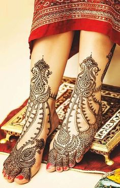 Explore latest Mehndi Designs images in 2019 on Happy Shappy. Mehendi design is also known as the heena design or henna patterns worldwide. We are here with the best mehndi designs images from worldwide. Latest Bridal Mehndi Designs, Unique Mehndi Designs, Beautiful Henna Designs, New Mehndi Designs, Beautiful Mehndi, Tattoo Designs, Gorgeous Body, Art Designs, Leg Mehndi