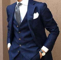 Cool, classic and always right - three piece navy suit and white shirt Mens Fashion Suits, Mens Suits, Men's Fashion, Suit Men, Formal Fashion, Three Piece Suit For Man, Classic Men, Classic Style, Men's Business Outfits