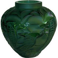 Siena Julia - LALIQUE Crystal Green Courlis Vase