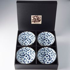 Bowl set Blue Dragonfly 4 pcs - Made In Japan Europe Blue Dragonfly, Ceramic Materials, Bowl Set, Are You Happy, Decorative Boxes, Make It Yourself, Traditional Japanese, Simple, Tableware