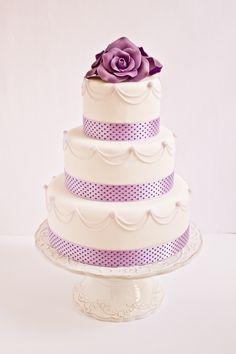 Objetivo: Cupcake Perfecto Color de la rosa...Sugarflair Violet Grape