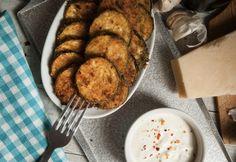 Sütőben sült cukkinis rágcsa recept képpel. Hozzávalók és az elkészítés részletes leírása. A sütőben sült cukkinis rágcsa elkészítési ideje: 25 perc Bruschetta, Mashed Potatoes, French Toast, Bacon, Food And Drink, Chips, Vegetarian, Tasty, Healthy Recipes